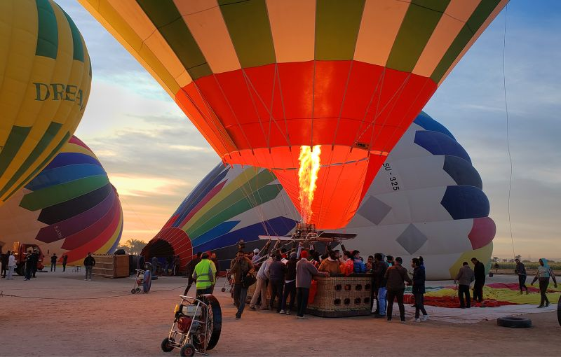 Preparing For Balloon Rise, Luo  Robin , Canada