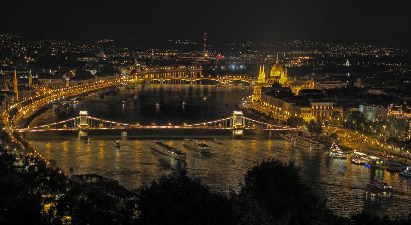 Budapest At Night, Chan  Betty , Canada